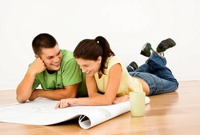 """Пара выбирает себе квартиру по программе """"Молодая семья"""""""